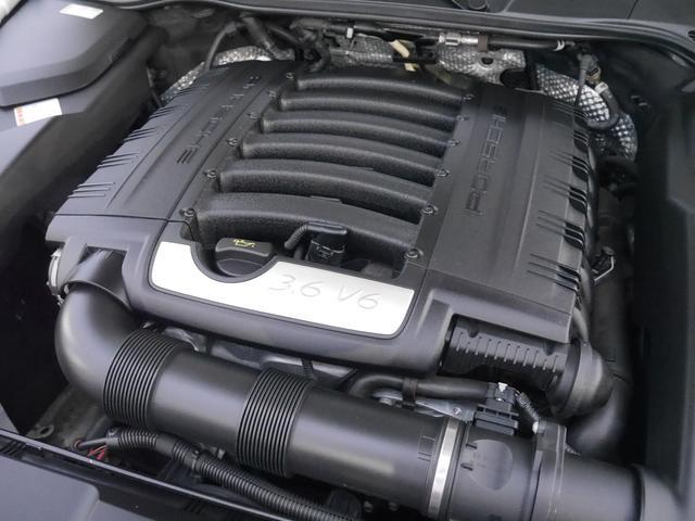 エンジンはV6、3,600ccの直噴化されたエンジンはカタログ値で300馬力を発揮します!低回転からトルクフルでストレス感の無い快適な走りをお楽しみ頂けます!!TEL:045-348-3232