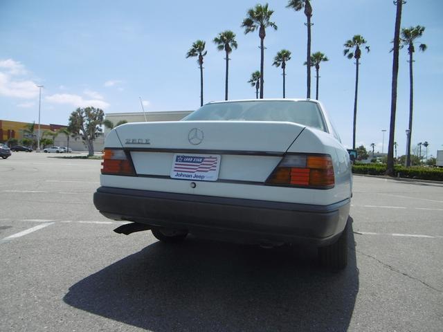 南カリフォルニア1オーナー 260E ベージュ内装左ハンドル(15枚目)