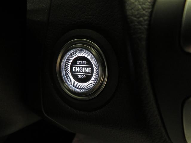 C220 d ローレウスエディション レーダーセーフティパッケージ スポーツプラスパッケージ 2年保証 新車保証 Bluetooth接続 ETC LEDヘッドライト TV アイドリングストップ クルーズコントロール コネクテッド機能(20枚目)