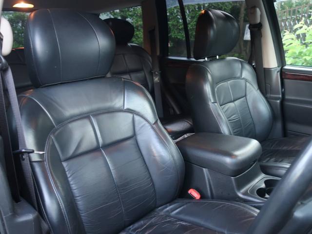 リミテッドV8 4WD サンルーフ バックカメラ 革シート オーディオ付 DVD ETC 5名乗り クルコン パワーシート 紺 AT AC パワーウィンドウ(6枚目)