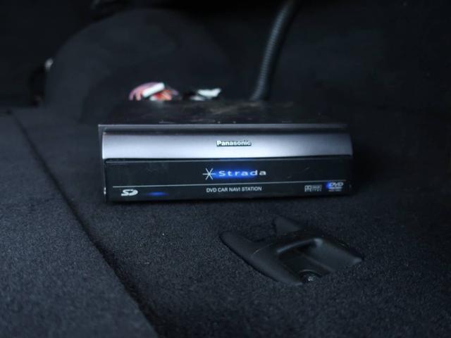 リミテッドV8 4WD サンルーフ バックカメラ 革シート オーディオ付 DVD ETC 5名乗り クルコン パワーシート 紺 AT AC パワーウィンドウ(9枚目)