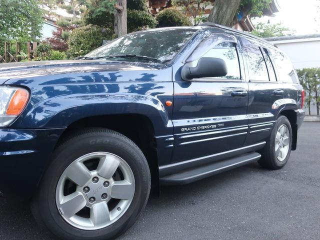 リミテッドV8 4WD サンルーフ バックカメラ 革シート オーディオ付 DVD ETC 5名乗り クルコン パワーシート 紺 AT AC パワーウィンドウ(17枚目)