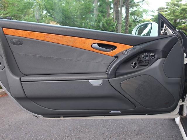 SL500 革シート ナビ 左ハンドル AW サンルーフ 禁煙車 オーディオ付 DVD HID 2名乗り クルコン パワーシート AT AC(9枚目)