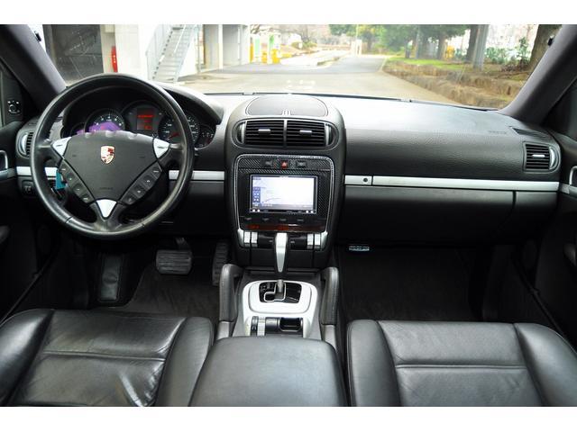 「ポルシェ」「ポルシェ カイエン」「SUV・クロカン」「埼玉県」の中古車13
