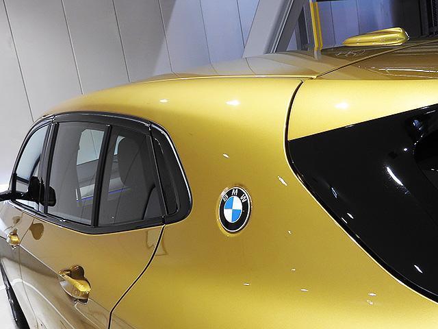 CピラーBMWブランドロゴ/BMWクーペ伝統のデザインエレメント
