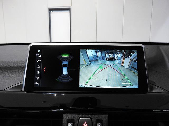 リアビューカメラと前後障害物センサー(PDC)装備、さらにパーキングアシスト付きなので、駐車をサポート