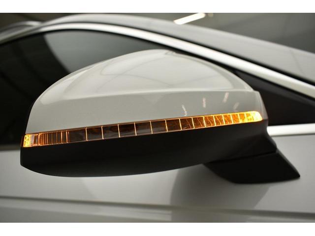 ●ドアミラー『LEDのターンインディケーターを内蔵したドアミラー。対向車からの視認性が良い為、安全面でもご安心してお乗りいただけます。』