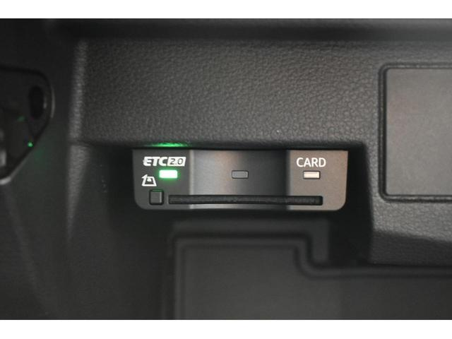 30TFSIスポーツ 認定中古車 アシスタンスパッケージ バーチャルコックピット オートマチックテールゲート LEDヘッドライト アイドリングストップ 17インチアルミホイール アドバンストキー MMIナビゲーション(11枚目)