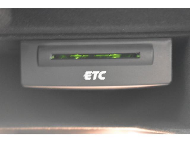 2.0TFSI パーシャルレザーシート アシスタンスパッケージ アダプティブクルーズコントロール シートヒーター Bluetooth サイドアシスト 17インチアルミホイール オートライト バイキセノンヘッドライト(7枚目)