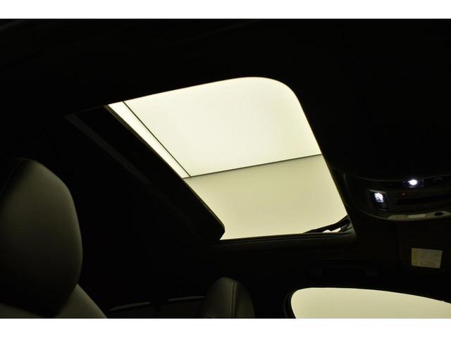 パノラマサンルーフ『高級車の代名詞サンルーフ。室内が開放感ある空間となりお子様にも人気の装備となっております。』
