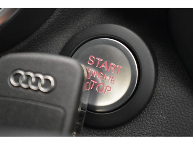 アドバンストキーシステム『キーを所持しているだけでドアの施錠/開錠からエンジンの始動/停止が可能となっております。』