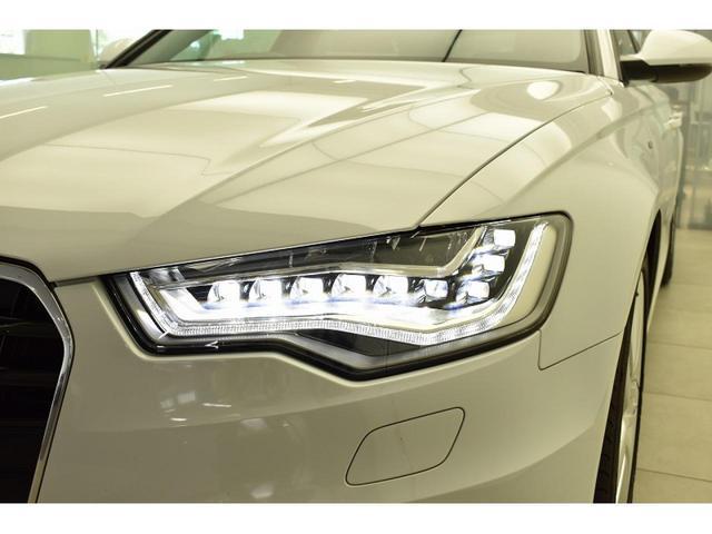 ●LEDヘッドライト『ロー/ハイビーム、ポジショニングランプにもLEDを使用。夜間でもクリアな視界を確保でき安心して運転していただけます。またキセノンヘッドライトよりも省エネ・高寿命となっております
