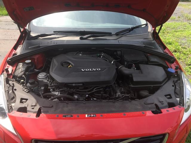 ボルボ ボルボ V60 T4 Rデザイン HDDナビ 黒本革 セーフティPKG