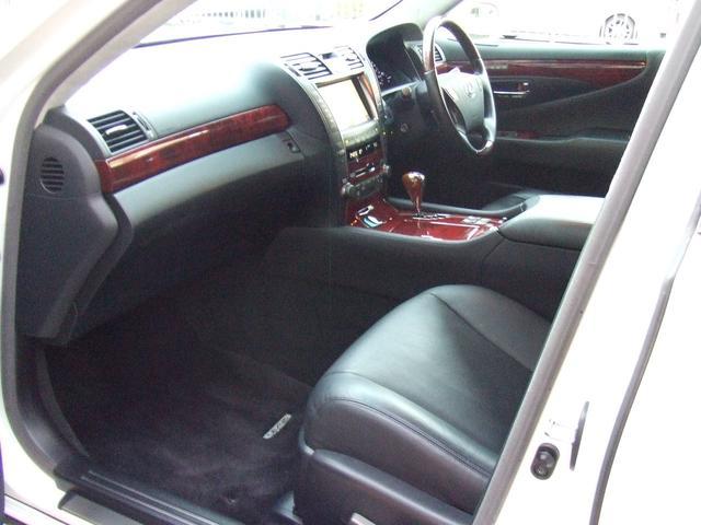 レクサス LS LS600h VerSIpkg21インチアルミ黒革純正エアロ