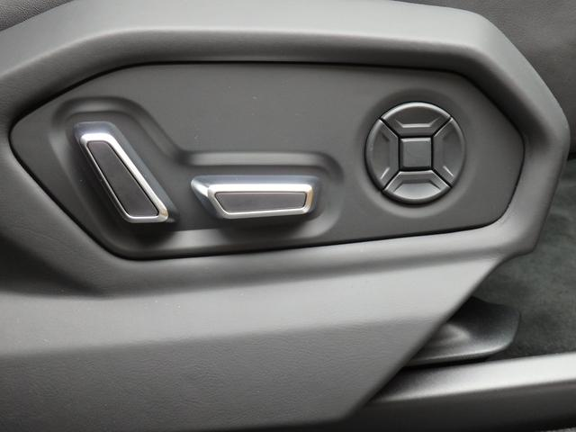 「ランボルギーニ」「ウルス」「SUV・クロカン」「東京都」の中古車28
