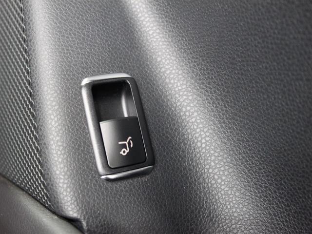 GLA220 4マチック レザーエクスクルーシブパッケージ レーダーセーフティパッケージ 2年保証 新車保証(15枚目)