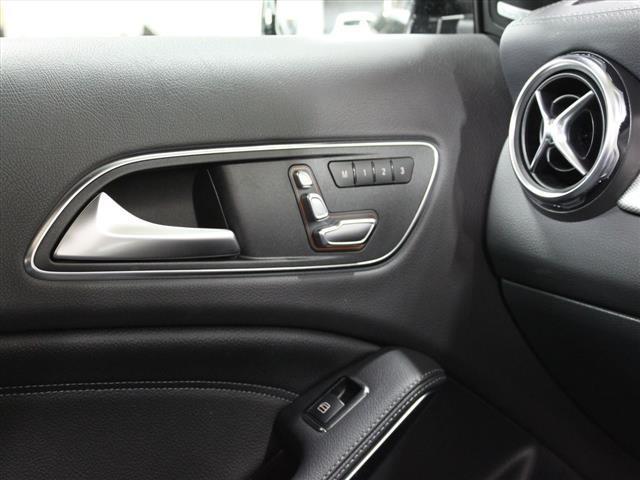 GLA220 4マチック レザーエクスクルーシブパッケージ レーダーセーフティパッケージ 2年保証 新車保証(16枚目)