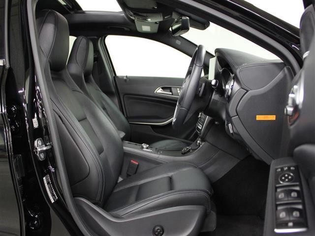 GLA220 4マチック レザーエクスクルーシブパッケージ レーダーセーフティパッケージ 2年保証 新車保証(22枚目)
