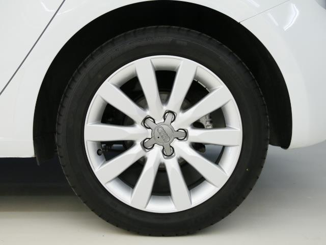 アウディ アウディ A1スポーツバック 1、4TFSI シリンダーオンデマンド 新車保証