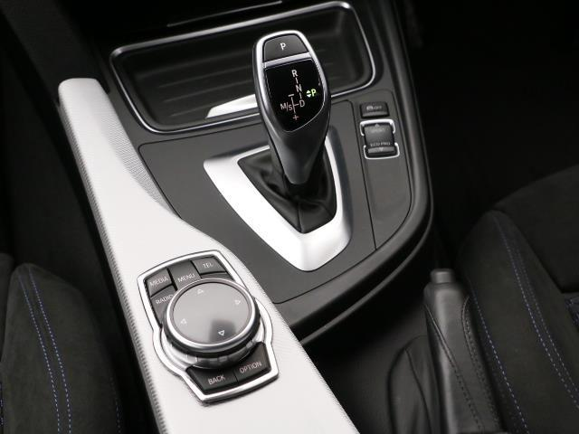 BMW BMW 320d Mスポーツ 新車保証