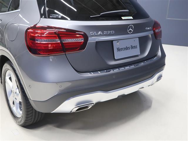 GLA220 4マチック レーダーセーフティパッケージ レザーエクスクルーシブパッケージ 2年保証 新車保証(5枚目)