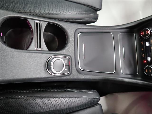 GLA220 4マチック レーダーセーフティパッケージ レザーエクスクルーシブパッケージ 2年保証 新車保証(18枚目)