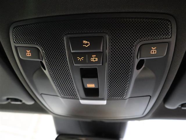 GLA220 4マチック レーダーセーフティパッケージ レザーエクスクルーシブパッケージ 2年保証 新車保証(22枚目)