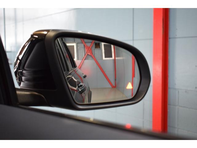 ブラインドスポットアシストを搭載したレーダーセーフティパッケージを装着!ディスタンスパイロット(前車追従型クルーズコントロール)も備わり長距離ドライブも快適です!