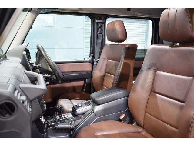 運転席には低走行車輌ならではの綺麗な状態を維持したブラウンレザーシートが備わります!メモリー機能、シートヒーター、ランバーサポートと多機能設計です!