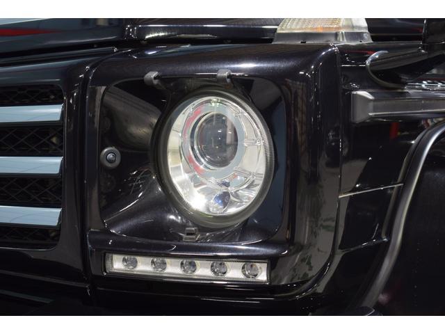 ヘッドライトにはウォッシャー機能付きバイキセノンヘッドが備わります。ナイトシーンを鮮やかに演出するLEDドライビングライトも備わります!