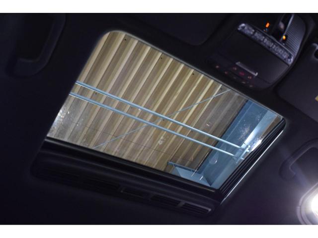 GLC250 4マチック クーペスポーツ(本革仕様) レーダーP MEコネクト 1オーナー Pスタート 黒革 サンルーフ ナビTV ブルメスター 360カメラ ヘッドアップD 自動Rゲート ハンズフリーA LEDヘッドライト 2年保証(13枚目)