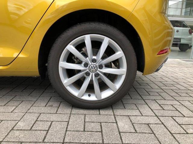 元試乗車 純正ナビ 新車保証付き 液晶メーター(3枚目)