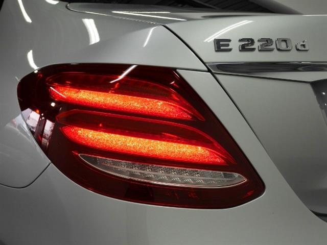 メルセデス・ベンツ M・ベンツ E220 d アバンギャルド スポーツ 4年保証 新車保証