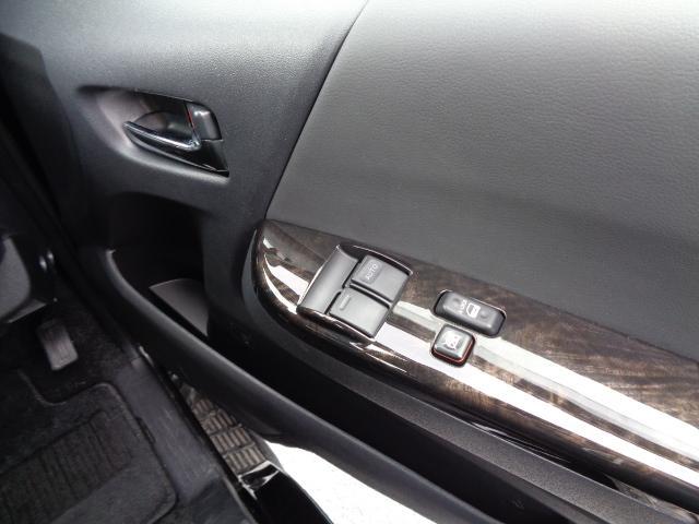 スーパーGL ダークプライムII SDナビ フルセグTV 12.1型フリップダウンモニター バックカメラ ETC AC100V Wエアバック 両側電動スライドドア 衝突軽減ブレーキ LEDライト 禁煙車 スマートキー 純正15AW(23枚目)