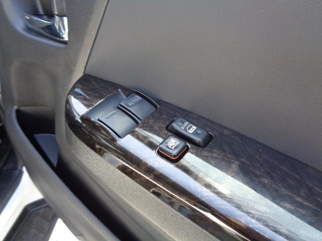 スーパーGL ダークプライム SDナビ 地デジTV バックカメラ Bluetooth ETC 純正フリップダウンモニター Wエアバック スマートキー 小窓付き両側スライド 純正LEDヘッドライト ハーフレザー 純正15AW(30枚目)
