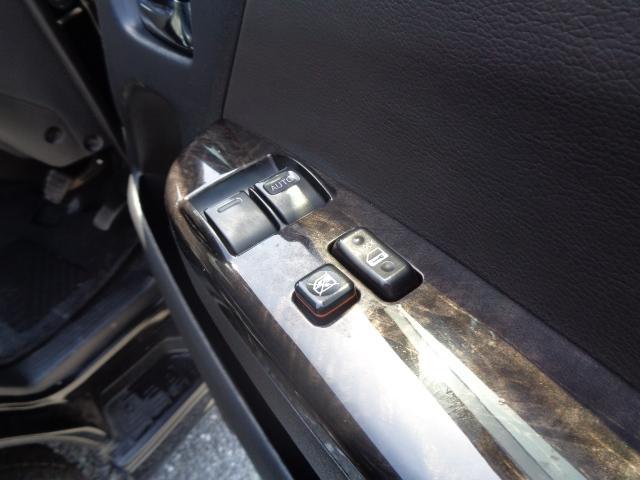 スーパーGL ダークプライム SDナビ 地デジTV バックカメラ Bluetooth ETC スマートキー 小窓付き両側スライドドア ハーフレザー TRDエアロ TRDマフラー 純正LEDヘッドライト 15AW(30枚目)
