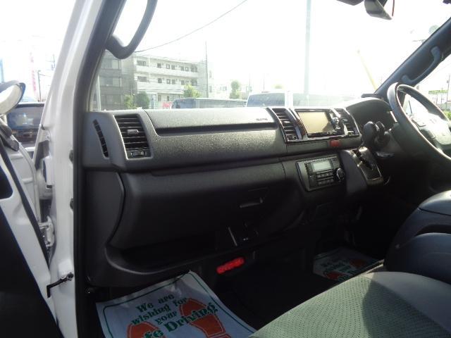 スーパーGL ダークプライムII SDナビ フルセグTV Bluetooth レーダー連動ドライブレコーダー 衝突被害軽減ブレーキ バックカメラ 助手席エアバック AC100V 小窓付き両側スライドドア 純正LEDヘッドライト ターボ(14枚目)