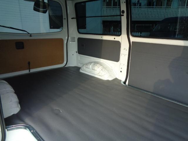 DX 純正ラジオ ETC 純正キーレス Wエアバック 両側スライドドア 同色バンパー 後期モデル 5速AT ハイルーフ シングルタイヤ 前席パワーウィンドウ 純正サイドバイザー(12枚目)