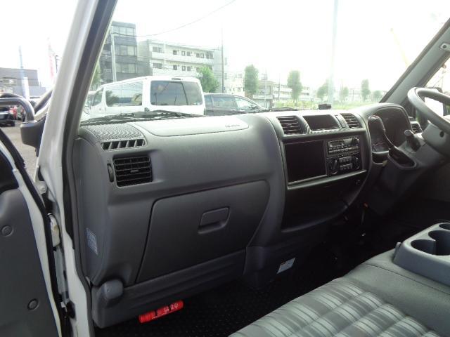 DX 純正ラジオ ETC 純正キーレス Wエアバック 両側スライドドア 同色バンパー 後期モデル 5速AT ハイルーフ シングルタイヤ 前席パワーウィンドウ 純正サイドバイザー(13枚目)