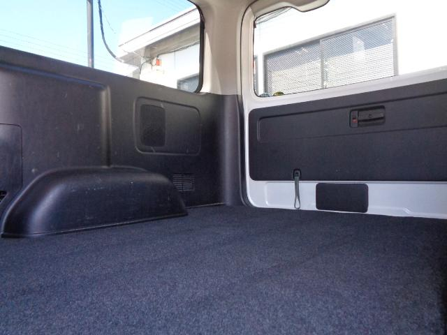 ロングスーパーGL ナビ/フルセグ/バックカメラ/Bluetooth/ETC/100V/シートカバー/両側電動スライド/後席モニター/LEDヘッドライト/社外フロントバンパー/シートカバー/自動防眩ミラー(16枚目)