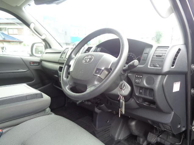 DX GLパッケージ SDナビ 地デジTV バックカメラ Bluetooth ETC AC100V リアクーラー リアヒーター 衝突被害軽減ブレーキ レーンアシスト 小窓付き両側スライド 助手席エアバック 純正LEDライト(11枚目)