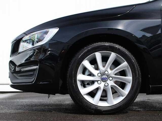 ボルボ ボルボ V60 T3 SE 2017年モデル社内使用車 1.5リッターモデル