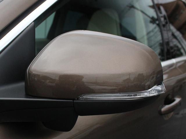 【ターンシグナルランプ内蔵ドアミラー】被視認性に優れる場所に設置され、巻き込みや右直事故のリスクを軽減してくれます。