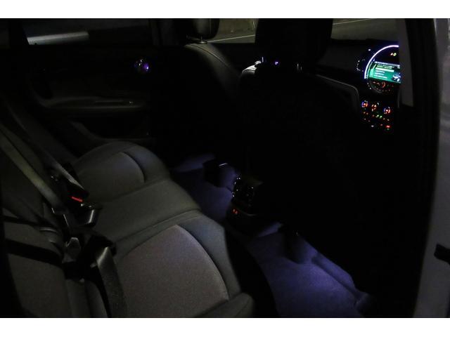 クーパーD クロスオーバー オール4 新車保証付き LEDヘッドライト ペッパーPKG ACC パワーテールゲート 純ナビBカメラ シートヒーター MINIドライブモード ブラックルーフ 4駆ディーゼル 後席USB ルーフレール(35枚目)