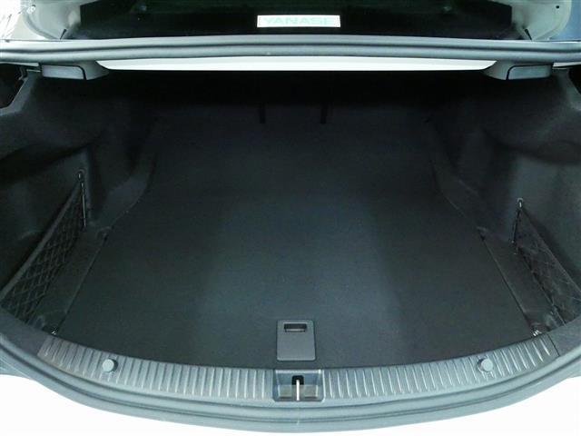 C180 ローレウスエディション レーダーセーフティパッケージ 2年保証 新車保証(25枚目)