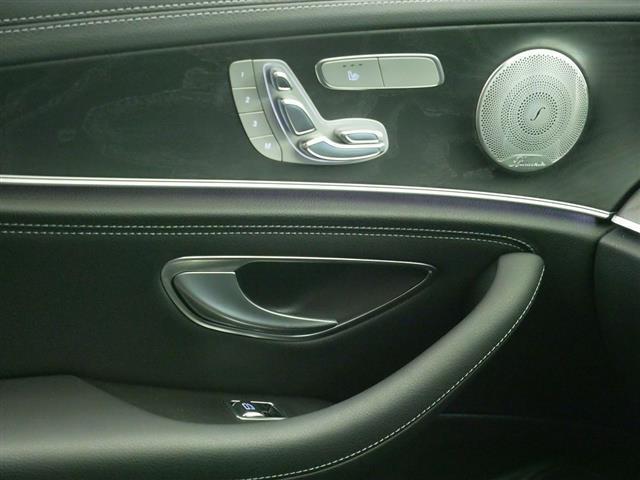 E200 アバンギャルド スポーツ レザーパッケージ 1年保証 Bluetooth接続 ETC LEDヘッドライト TV アイドリングストップ クルーズコントロール サイドカメラ シートヒーター トランクスルー ナビ バックモニター(14枚目)