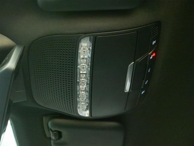 E200 アバンギャルド スポーツ レザーパッケージ 1年保証 Bluetooth接続 ETC LEDヘッドライト TV アイドリングストップ クルーズコントロール サイドカメラ シートヒーター トランクスルー ナビ バックモニター(23枚目)