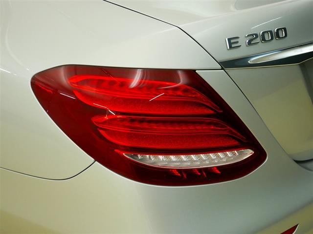 E200 アバンギャルド スポーツ レザーパッケージ 1年保証 Bluetooth接続 ETC LEDヘッドライト TV アイドリングストップ クルーズコントロール サイドカメラ シートヒーター トランクスルー ナビ バックモニター(31枚目)