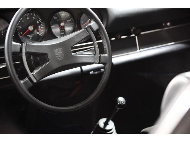 クーペ 73年モデルRSスポーツ仕様 オリジナルダックテール(15枚目)