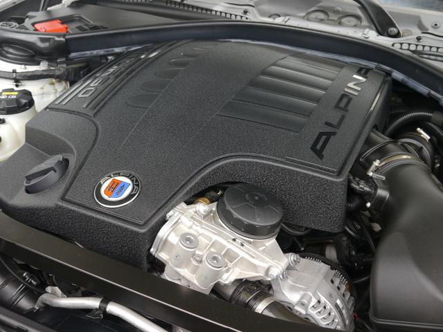 カタログ値410馬力を誇る3,000CC 直列6気筒DOHCツインターボチャージャー搭載エンジン!鋭いレスポンスと強烈なパワーを誇り俊敏な走りを実現します!